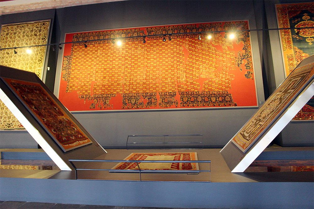 What to See in Sultanahmet Square, Istanbul | Museum of Islamic and Turkish Arts: rugs