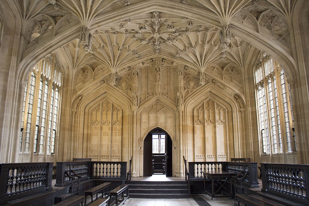 1 day in Oxford Walking Itinerary | Divinity School in the Bodleian Library