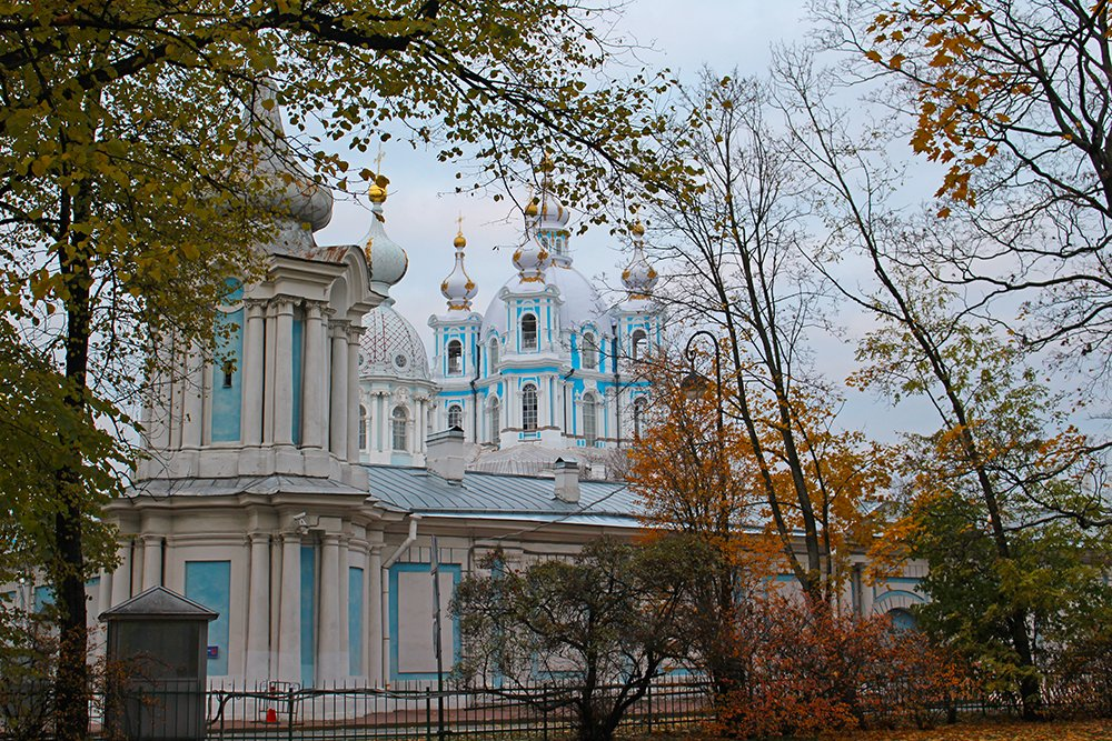 More than 20 things to do and places to see in St Petersburg | Smolny Cathedral