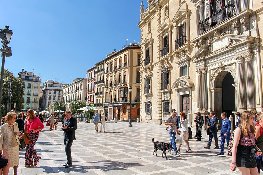 3 Weeks of Solo Travel in Spain, Part 3: things to do in Granada | Plaza Nueva