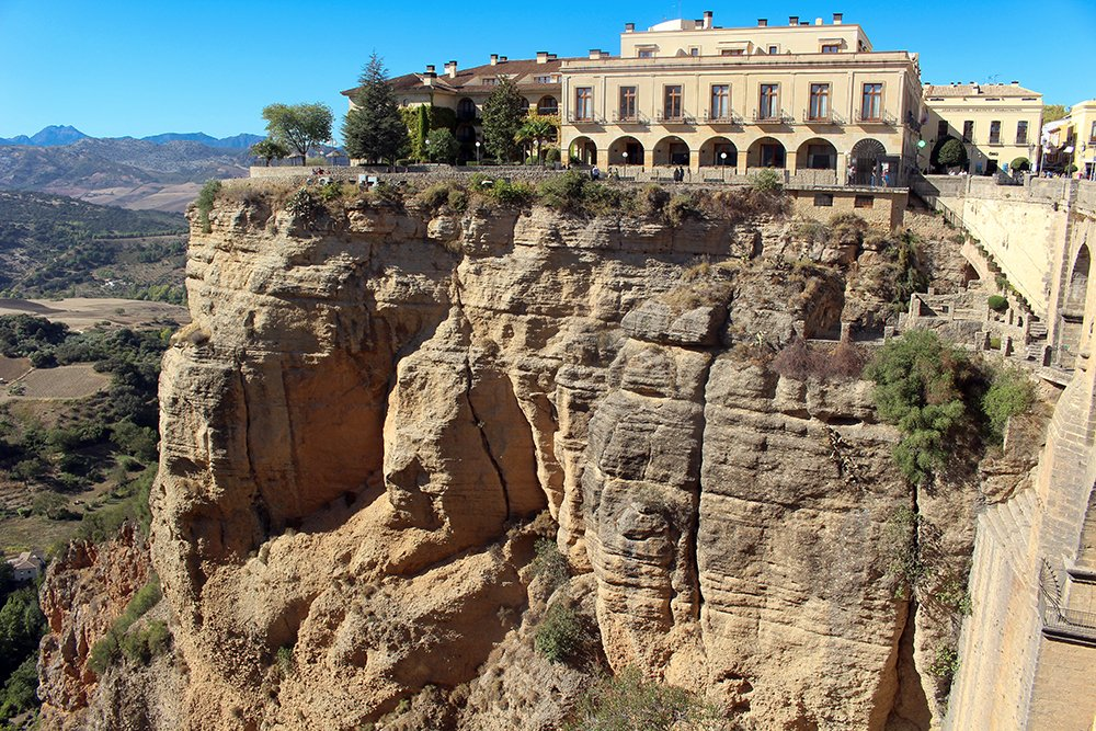 3 weeks of solo travel in Spain, Part 5: 1 day trip to Ronda | View from the Puente Nuevo