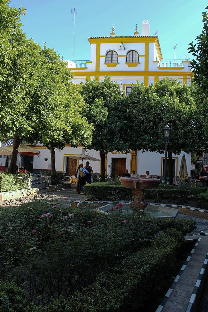 3 Weeks of Solo Travel in Spain, Part 6: a Long List of Places to See in Seville | Juderia