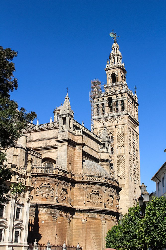 3 Weeks of Solo Travel in Spain, Part 6: a Long List of Places to See in Seville | The Cathedral and the Giralda