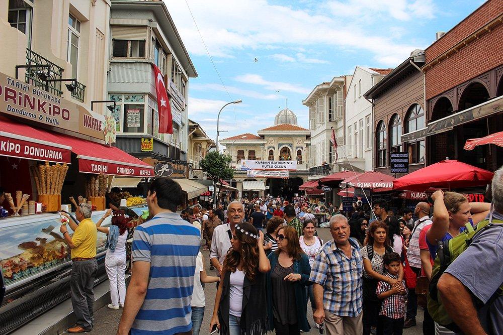 Один день на Бююкада, Принцевы острова, Стамбул   Улица на Бююкаде