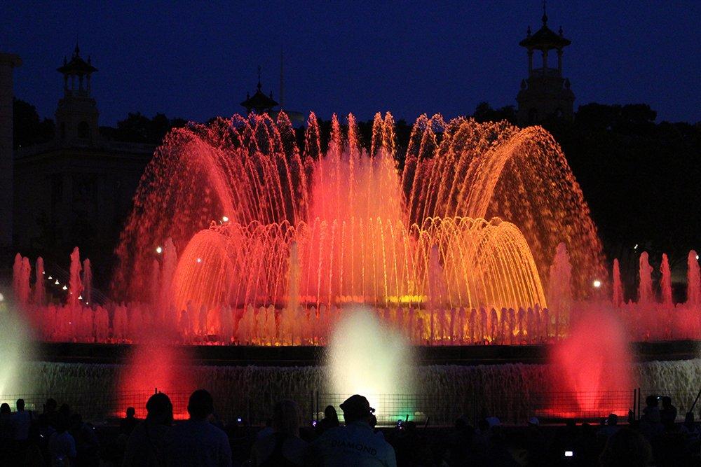 Что посмотреть в Барселоне в первый раз | Поющий волшебный фонтан