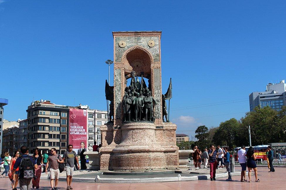 Что посетить в Стамбуле | Площадь Таксим