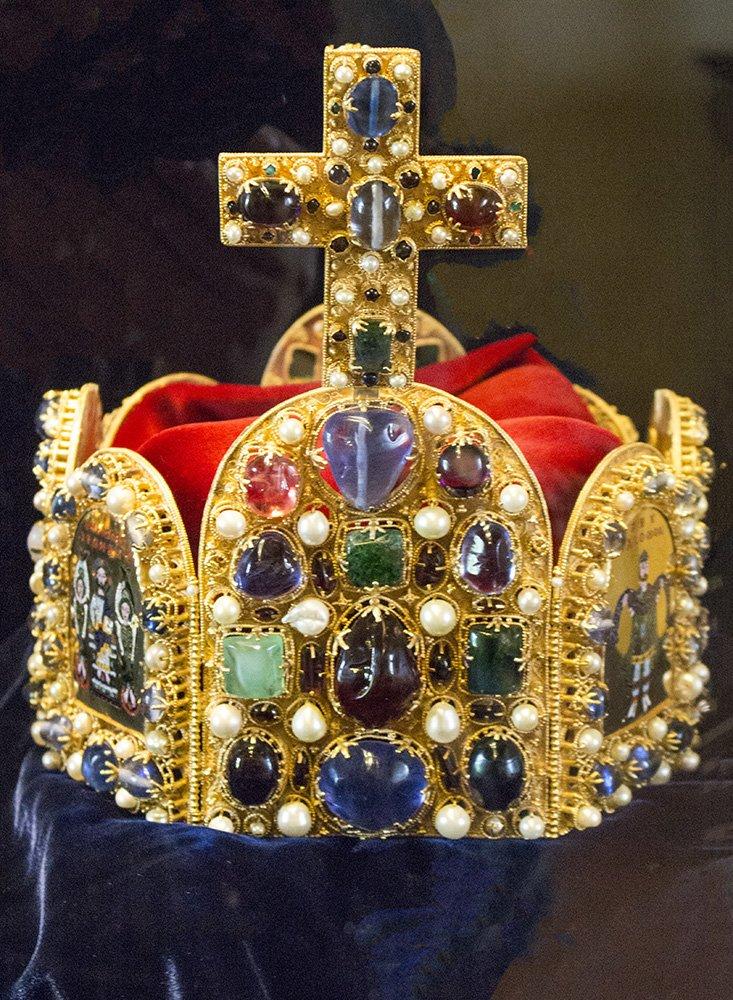 From Prague to Karlstejn Castle, Czech Republic   King's crown in Karlstejn Castle