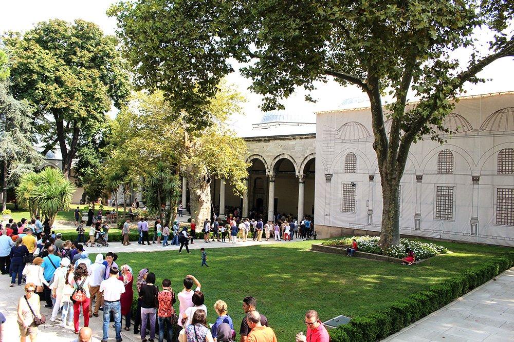 Что нужно знать перед поездкой в Стамбул | Очередь в Сокровищницу в Топкапы