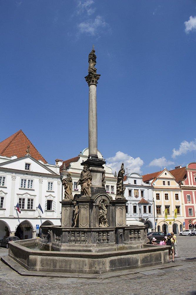 A day trip from Prague to Cesky Krumlov Castle | The Plague Column on Svornosti Square