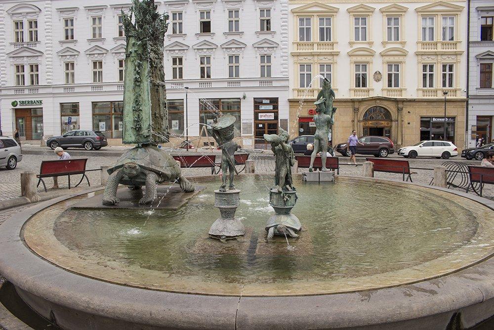 Things to do in Olomouc, Czech Republic, in half a day | Arion fountain with turtles