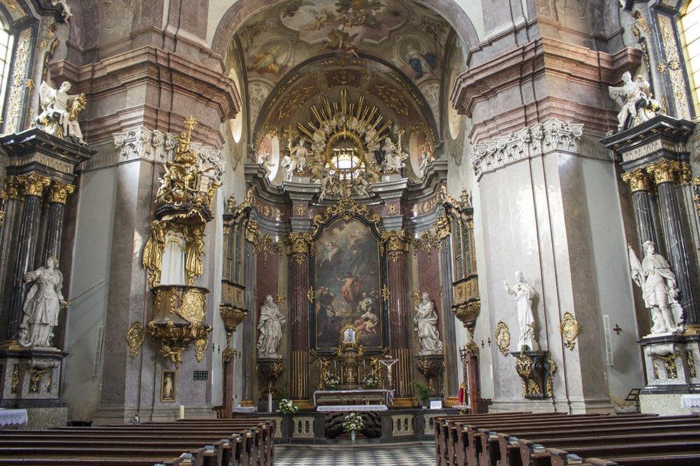 Czech Republic: Visiting Kromeriz Castle and Gardens from Brno | Inside the Church of St John the Baptist