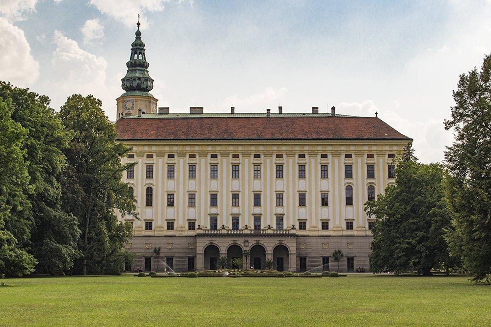 Czech Republic: Visiting Kromeriz Castle and Gardens from Brno | Kromeriz Castle