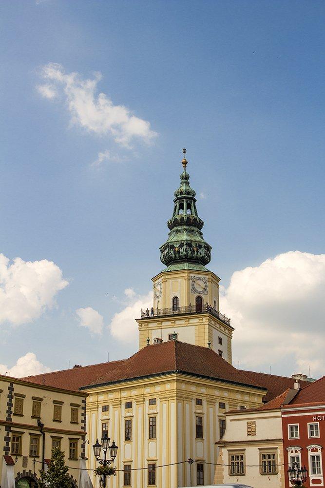 Czech Republic: Visiting Kromeriz Castle and Gardens from Brno | The Tower of Kromeriz Castle