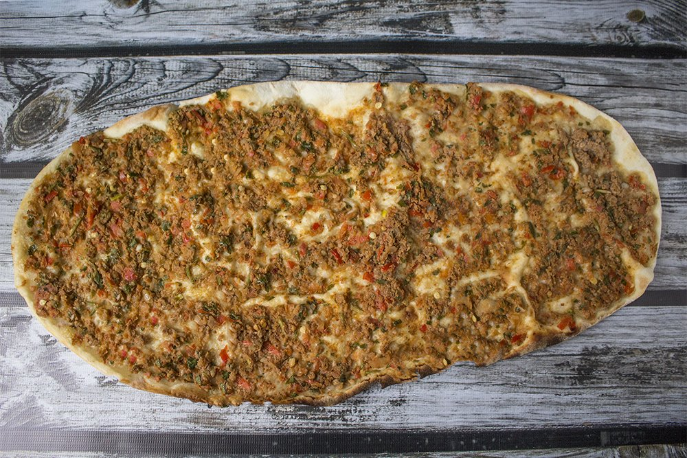 Traditional Turkish food: what to eat in Istanbul | Lahmacun