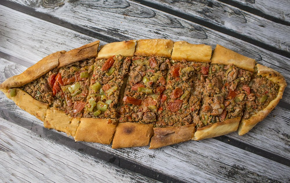 Traditional Turkish food: what to eat in Istanbul | Pide