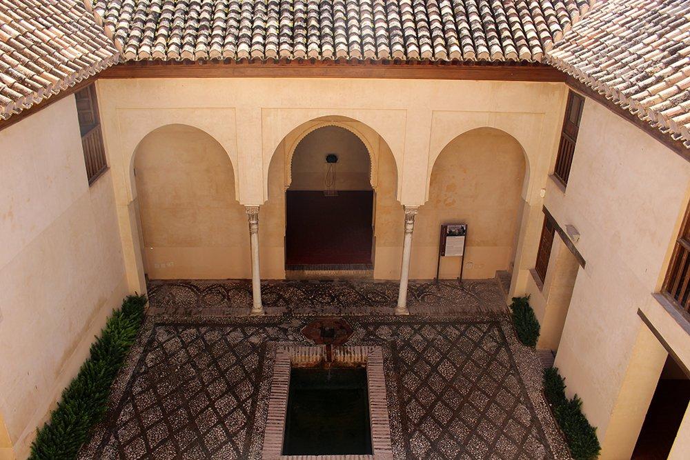 Самые красивые достопримечательности Гранады: Дар аль-Орра
