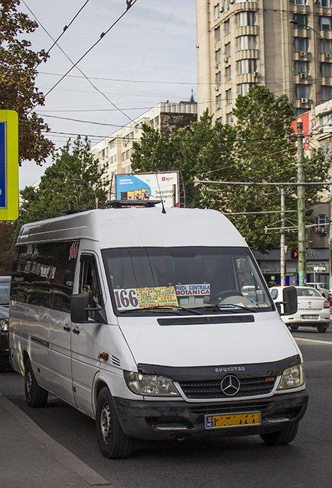 Maxi taxis in Chisinau