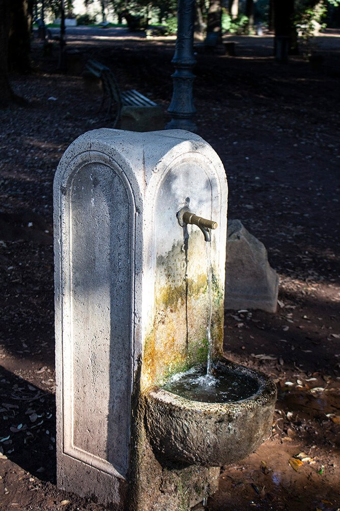 A fountain with potable water in Rome